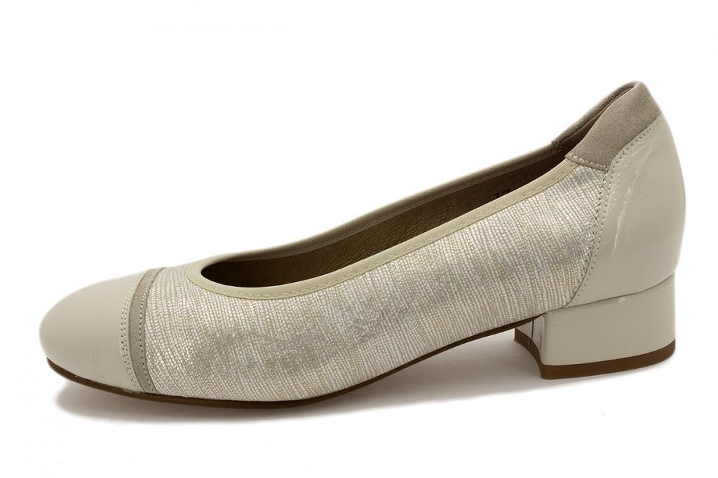 Flat shoe Sand Patent 210533