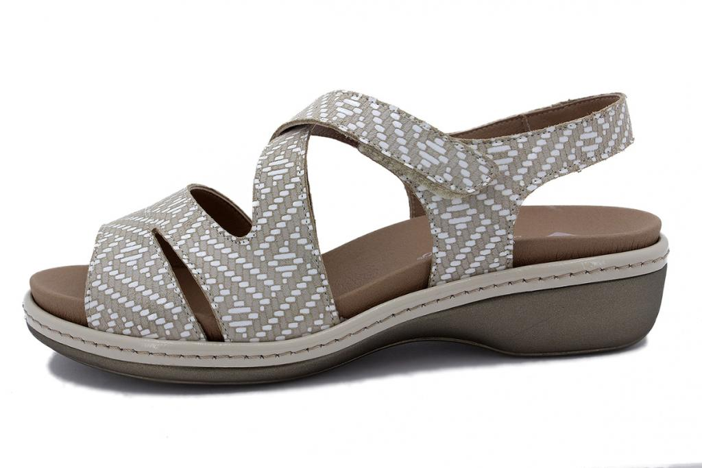 Removable Insole Sandal Sand Spike 210812