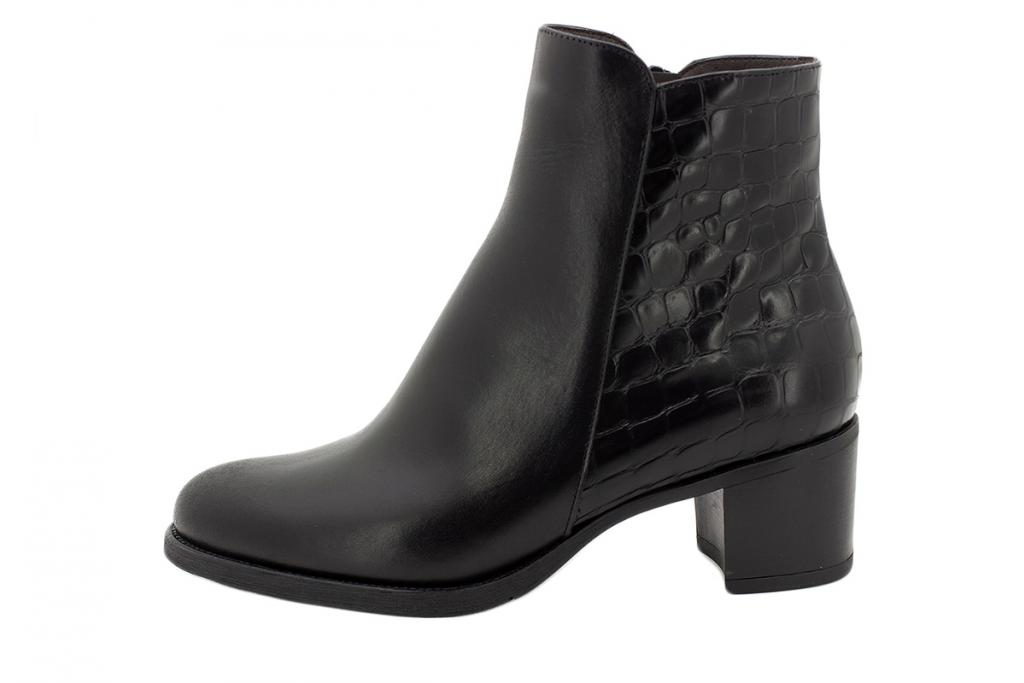 Ankle boot Black Leather 215445