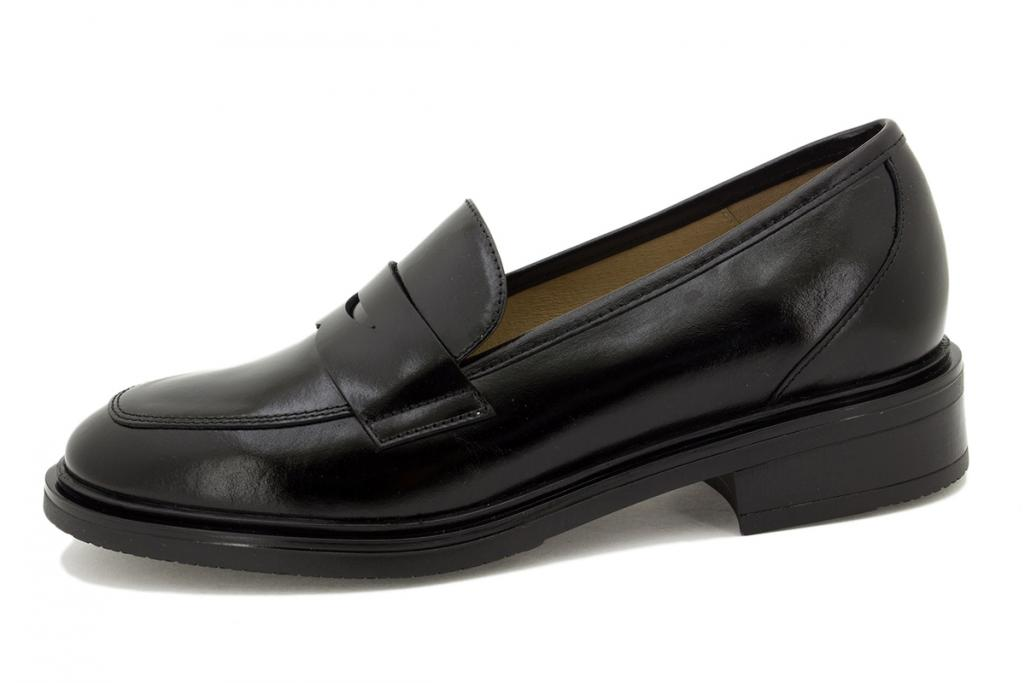 Moccasin Black Leather 215527