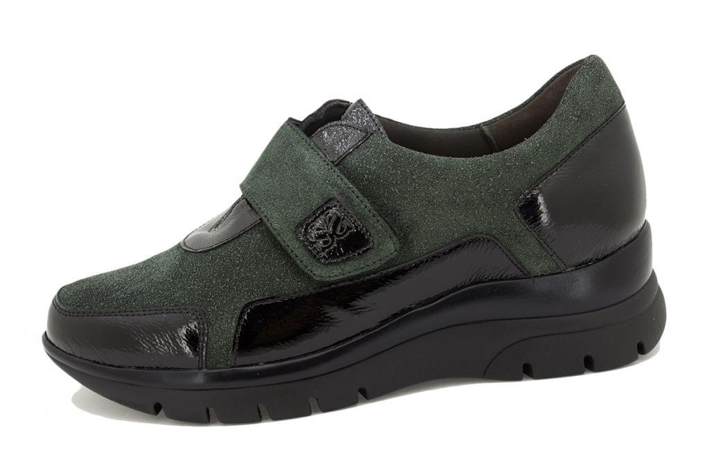 Velcro shoe Black Patent 215567