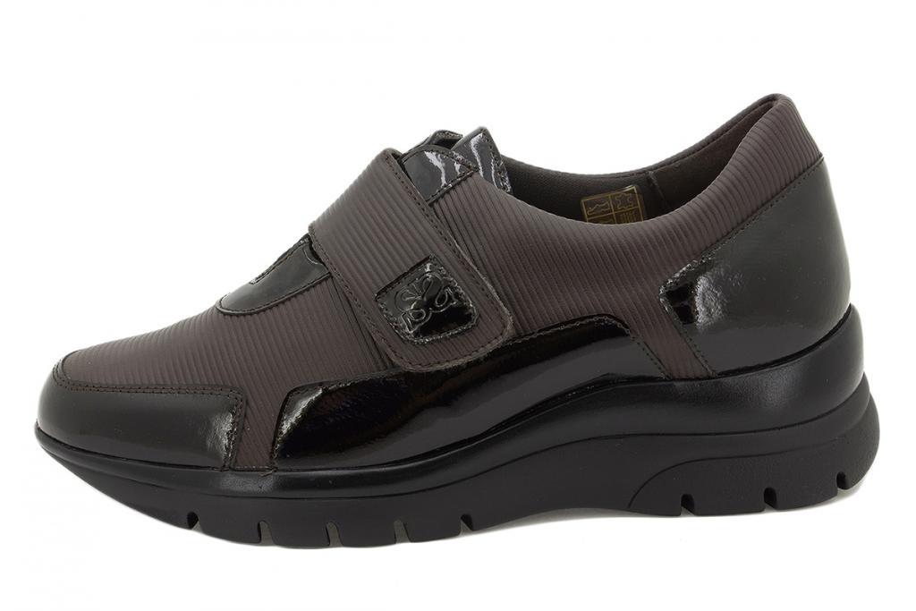 Velcro shoe Brown Patent 215567