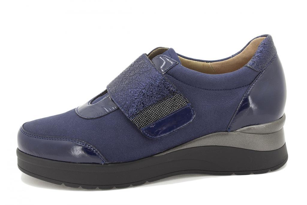 Velcro shoe Blue Patent 215752