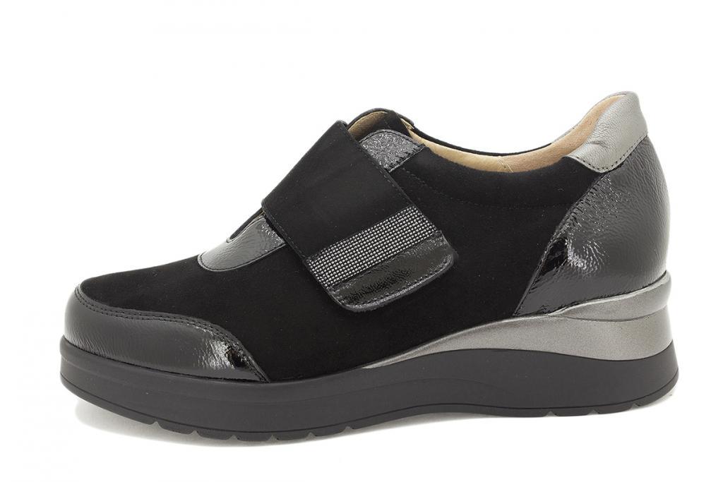 Velcro shoe Black Patent 215752