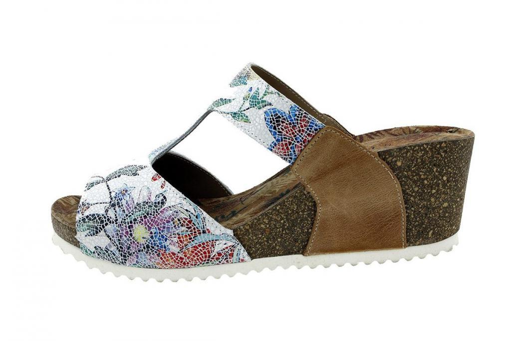 Wegde Sandal White Flowers 8930