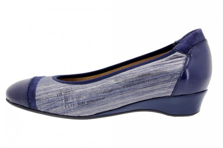 Flat shoe Patent Blue 1723
