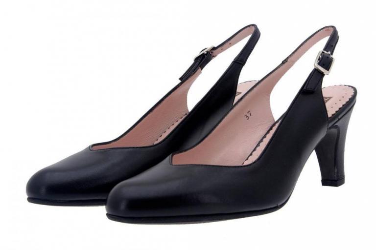 Court shoe Leather Black 8210