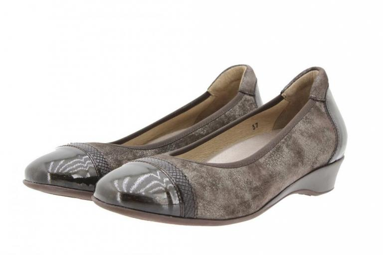 Flat shoe Patent Taupe 9723